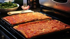 pizza-casalinga-precotura-pomodoro