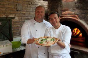 pizza-margherita-condivisione-bonci-sorbillo-02-600x398