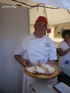 mia-foto-di-santino-strizzi-con-formaggi