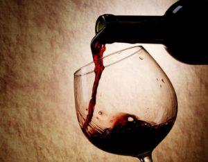 montepulciano-vino-bicchiere