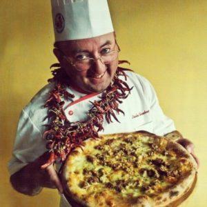 nicola-salvatore-pizza-pecorara-collana-peproncini