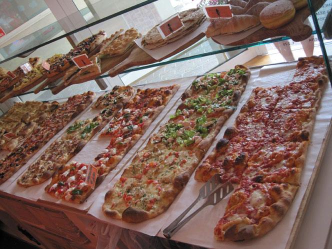 Nicola salvatore vuoi aprire una pizzeria al taglio e da for Arredamenti pizzerie al taglio